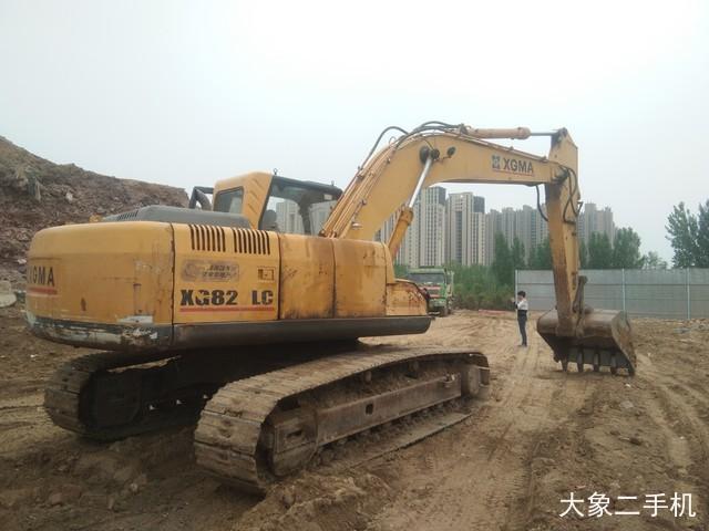 厦工 XG822LC 挖掘机