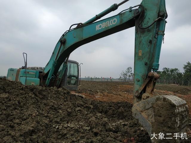 神钢 SK260LC-8 挖掘机
