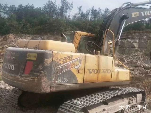沃尔沃 EC210B 挖掘机
