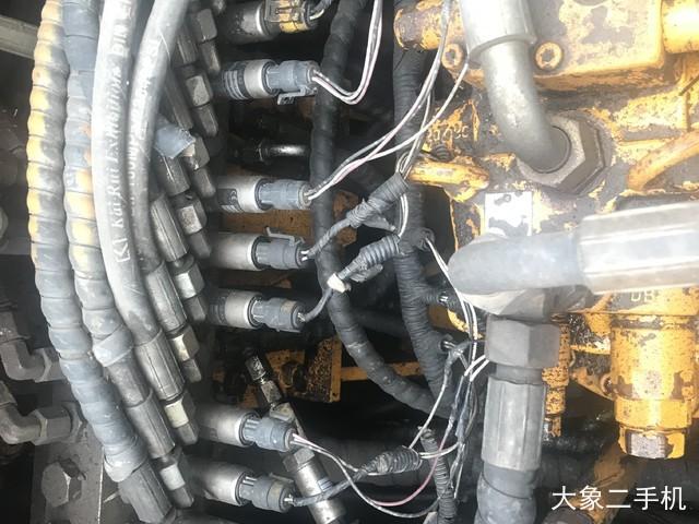 三一重工 SY235C-8 挖掘机